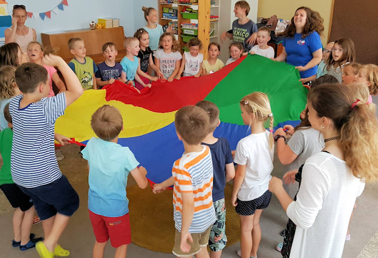 CzechRepublicSchoolActivity750
